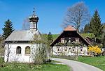 Germany, Baden-Wurttemberg, Breisgau-Hochschwarzwald: farmhouse and chapel near St. Peter at Black Forest | Deutschland, Baden-Wuerttemberg, Breisgau-Hochschwarzwald: Bauernhof und Kapelle bei St. Peter im Hochschwarzwald