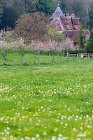 France, Calvados (14), Pays d' Auge, Saint-Martin-de-la-Lieue, Domaine Saint Hippolyte,  Manoir Saint-Hippolyte // France, Calvados, Pays d' Auge, Saint Martin de la Lieue,  Domaine Saint Hippolyte farm ,  Manor house Saint-Hippolyte
