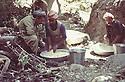 Iraq 1981<br /> In Shaikhan, Failak Eddin watching the cooking  <br /> Irak 1981 <br /> A Shaikhan, preparation du repas sous la surveillance de Failak Eddin