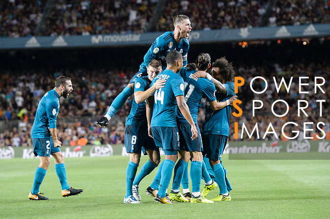 Cristiano Ronaldo of Real Madrid (H) celebrating his score with his teammates during the Supercopa de Espana Final 1st Leg match between FC Barcelona and Real Madrid at Camp Nou on August 13, 2017 in Barcelona, Spain. Photo by Marcio Rodrigo Machado / Power Sport Images