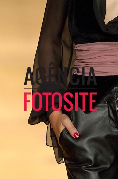 Sao Paulo, Brasil – 20/01/2006 - Detalhes do desfile da Alphorria durante o São Paulo Fashion Week  -  Inverno 2006. Foto : Olivier Classe / Agência Fotosite