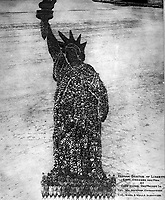 Human Statue of Liberty.  18,000 Officers and Men at Camp Dodge, Des Moines, Ia.  Col. Wm. Newman, Commanding. Col. Rush S. Wells, Directing. September 1918.  Mole & Thomas.  (War Dept.)<br /> Exact Date Shot Unknown<br /> NARA FILE #:  165-WW-350-5A<br /> WAR & CONFLICT BOOK #:  508