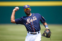 Binghamton Mets shortstop Amed Rosario (1) warms up before a game against the Richmond Flying Squirrels on June 26, 2016 at NYSEG Stadium in Binghamton, New York.  Binghamton defeated Richmond 7-2.  (Mike Janes/Four Seam Images)