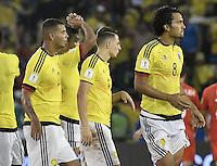 BARRANQUILLA - COLOMBIA - 10-11-2016:  Jugadores de Colombia abandonan el campo de juego después del partido entre Colombia y Chile por la fecha 11 de la clasificatoria a la Copa Mundial de la FIFA Rusia 2018 jugado en el estadio Metropolitano Roberto Melendez en Barranquilla./ Players of Colombia leave the field after the match between Colombia and Chile for the date 11 of the qualifier to FIFA World Cup Russia 2018 played at Metropolitan stadium Roberto Melendez in Barranquilla. Photo: VizzorImage/ Gabriel Aponte / Staff
