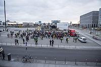 """Rechte und Querfrontanhaenger demonstrieren gegen Syrienkrieg.<br /> Ca. 100 Menschen kamen am Samstag den 12. Dezember 2015 in Berlin zu einer """"Friedensdemonstration"""" gegen eine Beteiligung Deutschlands am Syrienkrieg. Unter ihnen etliche Teilnehmer an montaeglichen Pegidaversammlungen, Mitglieder der rechten Querfrontorganisation """"Endgame"""", Hooligans und NPD-Sympathiesanten.<br /> 12.12.2015, Berlin<br /> Copyright: Christian-Ditsch.de<br /> [Inhaltsveraendernde Manipulation des Fotos nur nach ausdruecklicher Genehmigung des Fotografen. Vereinbarungen ueber Abtretung von Persoenlichkeitsrechten/Model Release der abgebildeten Person/Personen liegen nicht vor. NO MODEL RELEASE! Nur fuer Redaktionelle Zwecke. Don't publish without copyright Christian-Ditsch.de, Veroeffentlichung nur mit Fotografennennung, sowie gegen Honorar, MwSt. und Beleg. Konto: I N G - D i B a, IBAN DE58500105175400192269, BIC INGDDEFFXXX, Kontakt: post@christian-ditsch.de<br /> Bei der Bearbeitung der Dateiinformationen darf die Urheberkennzeichnung in den EXIF- und  IPTC-Daten nicht entfernt werden, diese sind in digitalen Medien nach §95c UrhG rechtlich geschuetzt. Der Urhebervermerk wird gemaess §13 UrhG verlangt.]"""