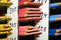Buntstifte bei Tube Artservice, Hamburg, Deutschland