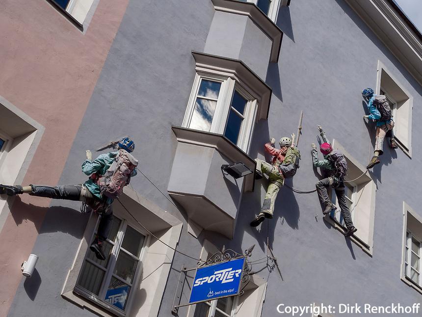 Sportgechäft in Bruneck, Region Südtirol-Bozen, Italien, Europa<br /> sports store in Bruneck, Region South Tyrol-Bolzano, Italy, Europe