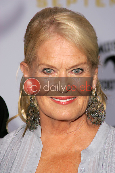 """Lynn Anderson<br />at the Los Angeles Premiere of """"Gridiron Gang"""". Grauman's Chinese Theatre, Hollywood, CA. 09-05-06<br />Dave Edwards/DailyCeleb.com 818-249-4998"""
