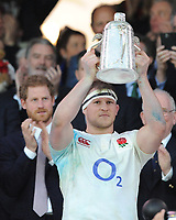England captain Dylan Hartley lifts the Calcutta Cup during the RBS 6 Nations match between England and Scotland at Twickenham Stadium on Saturday 11th March 2017 (Photo by Rob Munro/Stewart Communications)