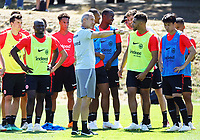 Trainer Adi Hütter (Eintracht Frankfurt) gibt Anweisungen - 18.07.2018: Eintracht Frankfurt Training, Commerzbank Arena