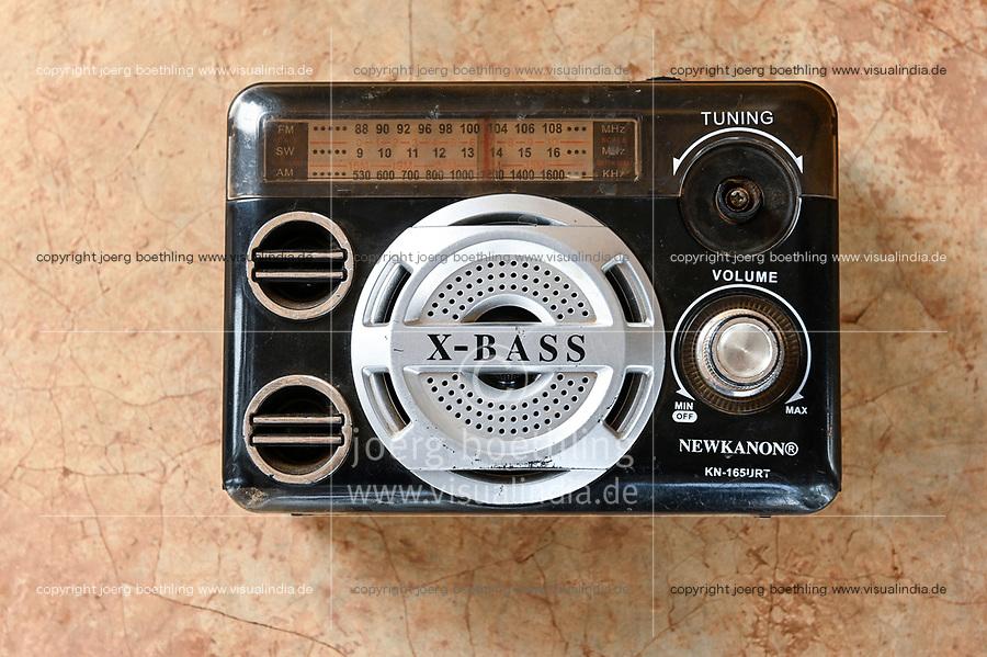 MALI, Kayes, chinese radio X-bass /chinesisches X-Bass Radio