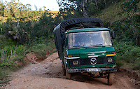 MADAGASCAR, Vohilava / MADAGASKAR Mananjary, Vohilava, schlechte Strassen, Transport per LKW