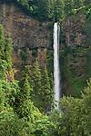 Multnomah Falls, Columbia River Gorge National Scenic Area, Oregon.