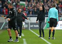 28.10.2017, Football 1. Bundesliga 2017/2018, 10. Match Day, Hannover 96 - Borussia Dortmund, in der HDI-Arena Hannover. Sportdirektor Horst Heldt (m, Hannover) and Trainer Andre Breitenreiter (r, Hannover) celebrates *** Local Caption *** © pixathlon +++ tel. +49 - (040) - 22 63 02 60 - mail: info@pixathlon.de<br /> <br /> +++ NED + SUI out !!! +++