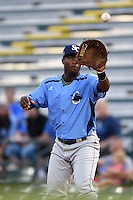 Charlotte Stone Crabs first baseman Alexander Simon (17) waits for a throw during a game against the Bradenton Marauders on April 20, 2015 at McKechnie Field in Bradenton, Florida.  Charlotte defeated Bradenton 6-2.  (Mike Janes/Four Seam Images)
