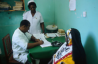 "Afrika Ostafrika Tanzania .Krankenschwester auf Krankenstation einer katholischen Missionsstation in Bagamoyo -  Religion katholische Kirche Christentum Christen Katholiken Gesundheit Krankheit Malaria Medizin medizinisch medizinisches Personal Arzt ?rzte mediziner Gesundheitssystem Doktor Patient Behandlung behandeln gesund gesunde krank kranke ?rztliche Versorgung HIV Aids Afrikaner afrikanisch xagndaz | .Africa East-africa Tanzania .hospital of catholic missionary station   -  health sickness illness ill sick Malaria drugs vaccination medical treatment nurse doctor church african .| [ copyright (c) Joerg Boethling / agenda , Veroeffentlichung nur gegen Honorar und Belegexemplar an / publication only with royalties and copy to:  agenda PG   Rothestr. 66   Germany D-22765 Hamburg   ph. ++49 40 391 907 14   e-mail: boethling@agenda-fototext.de   www.agenda-fototext.de   Bank: Hamburger Sparkasse  BLZ 200 505 50  Kto. 1281 120 178   IBAN: DE96 2005 0550 1281 1201 78   BIC: ""HASPDEHH"" ,  WEITERE MOTIVE ZU DIESEM THEMA SIND VORHANDEN!! MORE PICTURES ON THIS SUBJECT AVAILABLE!! ] [#0,26,121#]"