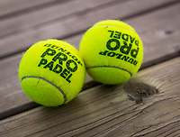 Netherlands, September 5,  2020, Amsterdam, Padel Dam, NK Padel, National Padel Championships, Dunlop padel balls<br /> Photo: Henk Koster/tennisimages.com