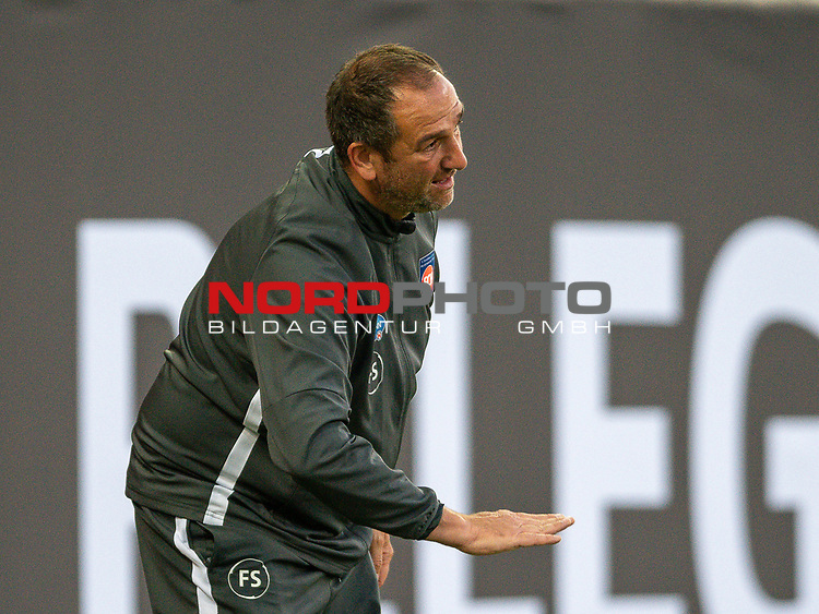 Frank Schmidt, Trainer (FC Heidenheim), Geste, Tief,<br /> <br /> GER, FC Heidenheim vs. Werder Bremen, Fussball, Bundesliga Religation, 2019/2020, 06.07.2020,<br /> <br /> DFB/DFL regulations prohibit any use of photographs as image sequences and/or quasi-video., <br /> <br /> <br /> Foto: EIBNER/Sascha Walther/Pool/gumzmedia/nordphoto