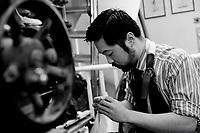 Yohei Iwasaki<br /> Schuhe von George Cleverley <br /> <br /> Engl.: Europe, England, Great Britain, London, shoes handmade by George Cleverly, handicraft, tradition, shoemaker, employee Yohei Iwasaki, June 2013
