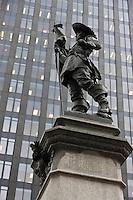 Amérique/Amérique du Nord/Canada/Québec/Montréal:Le Monument à Maisonneuve, fondateur de Montréal, œuvre de Louis-Philippe Hébert, au centre de la place d'Armes dans le VIeux-Montréal
