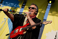 SÃO PAULO, SP 27.07.2019: FESTIVAL BLUES-SP - No palco, Sérgio Dias convida Luiz Carlini. Acontece em São Paulo a quinta edição do Festival BB Seguros de Blues e Jazz, na tarde deste sábado, 27, na Ilha Musical do Parque Villa-Lobos, na zona oeste da capital paulista. (Foto: Ale Frata/Código19)