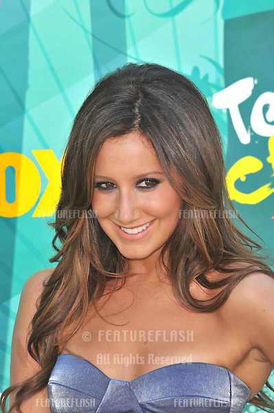 Ashley Tisdale at the 2009 Teen Choice Awards at the Gibson Amphitheatre, Universal City..August 9, 2009  Los Angeles, CA.Picture: Paul Smith / Featureflash