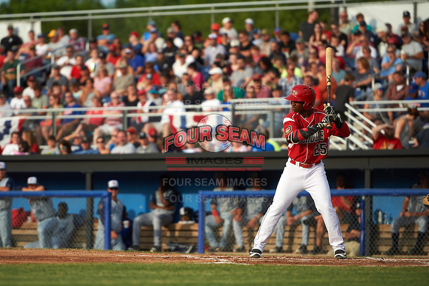Batavia Muckdogs shortstop Samuel Castro (25) at bat during a game against the Brooklyn Cyclones on July 4, 2016 at Dwyer Stadium in Batavia, New York.  Brooklyn defeated Batavia 5-1.  (Mike Janes/Four Seam Images)
