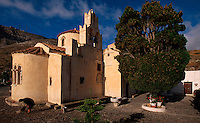 Kirche Panagia Episkopi bei Mesa Gonia gegründet 1115, Insel Santorin (Santorini), Griechenland, Europa