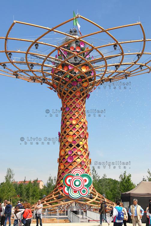 Milan 2 May 2015<br /> Expo 2015, nella foto l'Albero della Vita, simbolo dell'EXPO 2015<br /> Expo 2015, in the picture the Tree of Life, a symbol of EXPO 2015 <br /> Photo Livio Senigalliesi