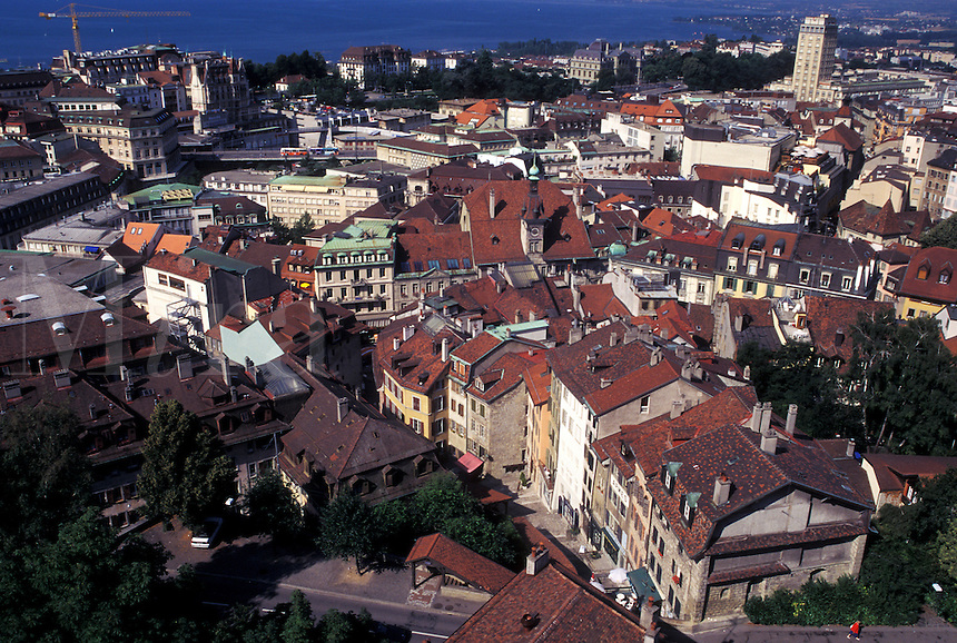 Switzerland, Lausanne, Vaud, Lake Geneva, Aerial view of the city of Lausanne from the cathedral along Lac Leman.