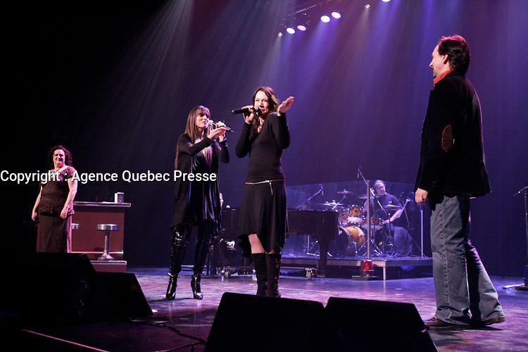Manon Brunet, Lynda Lemay , Fabiola Toupin et Daniel Jean  dans l'opera folk Un Eternel Hiver<br /> <br /> PHOTO : Agence Quebec Prese