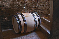 barrel lifting device clos des langres ardhuy nuits-st-georges cote de nuits burgundy france