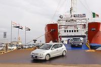 Fähre im Hafen von Palau, Gallura, Provinz Olbia-Tempio, Nord Sardinien, Italien