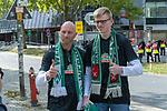 19.09.2020, wohninvest Weserstadion, Bremen, GER,  SV Werder Bremen vs Hertha BSC Berlin, <br /> <br /> <br />  im Bild<br /> <br /> FANS  freuen sich wieder zu den Spielen zu gehen<br /> <br /> Foto © nordphoto / Kokenge<br /> <br /> DFL regulations prohibit any use of photographs as image sequences and/or quasi-video.