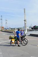 Radwanderer in Smiltyne auf der kurischen Nehrung, Litauen, Europa