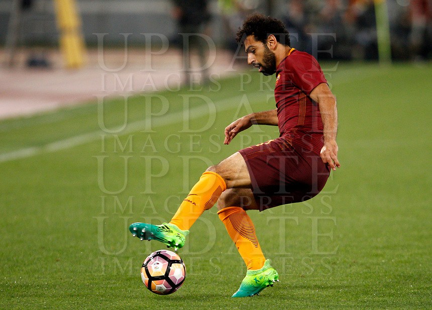 Calcio, Serie A: Roma vs Juventus. Roma, stadio Olimpico, 14 maggio 2017. <br /> Roma's Mohamed Salah in action during the Italian Serie A football match between Roma and Juventus at Rome's Olympic stadium, 14 May 2017. Roma won 3-1.<br /> UPDATE IMAGES PRESS/Riccardo De Luca