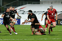 Sunday 22nd November 2020 | Ulster vs Scarlets<br /> <br /> Marcell Coetzee off loads to Alby Mathewson during the Guinness PRO14 Round 7 clash between Ulster Rugby and Scarlets at Kingspan Stadium, Ravenhill Park, Belfast, Northern Ireland. Photo by John Dickson / Dicksondigital