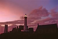 Europe/France/Bretagne/29/Finistère/Pointe Saint-Mathieu: Le phare de nuit