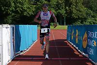Julian Schepp kommt ins Ziel - Mörfelden-Walldorf 18.07.2021: MoeWathlon