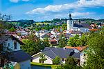 Deutschland, Bayern, Niederbayern, Naturpark Bayerischer Wald, Regen mit Kirche St. Michael. Der Pichelsteiner Gemuese-Fleisch-Eintopf stammt von hier   Germany, Bavaria, Lower-Bavaria, Nature Park Bavarian Forest, town Regen with church St. Michael
