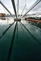 GENOVA / ITALIA.VEDUTA DEL PORTO.FOTO LIVIO SENIGALLIESI..BENOVA / ITALY.VIEW OF THE HARBOUR.PHOTO LIVIO SENIGALLIESI