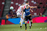 FC Internazionale Midfielder Marcelo Brozovic (L) fights for the ball with Bayern Munich Midfielder Javi Martinez (R) during the International Champions Cup match between FC Bayern and FC Internazionale at National Stadium on July 27, 2017 in Singapore. Photo by Marcio Rodrigo Machado / Power Sport Images