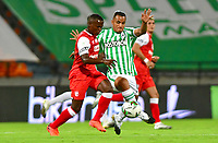MEDELLÍN - COLOMBIA, 17-01-2021:Atlético Nacional y el Independiente Santa Fe en partido por la fecha 1 de la Liga BetPlay DIMAYOR 2021 jugado en el estadio Atanasio Girardot  de la ciudad de Medellin. /Atletico Nacional and Independiente Santa Fe in match for the date 1 as part of BetPlay DIMAYOR League 2021 played at Atanasio Girardot stadium in Medellin city.  Photo: VizzorImage / Luis Benavides / Contribuidor