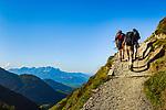 Oesterreich, Tirol, oberhalb von Fieberbrunn: Aufstieg zum Wildseeloderhaus am Wildseeloder See - auch Wildsee genannt (1.854 m) | Austria, Tyrol, upon Fieberbrunn: hiking towards Wildseeloder house at Lake Wildseeloder (1.854 m)