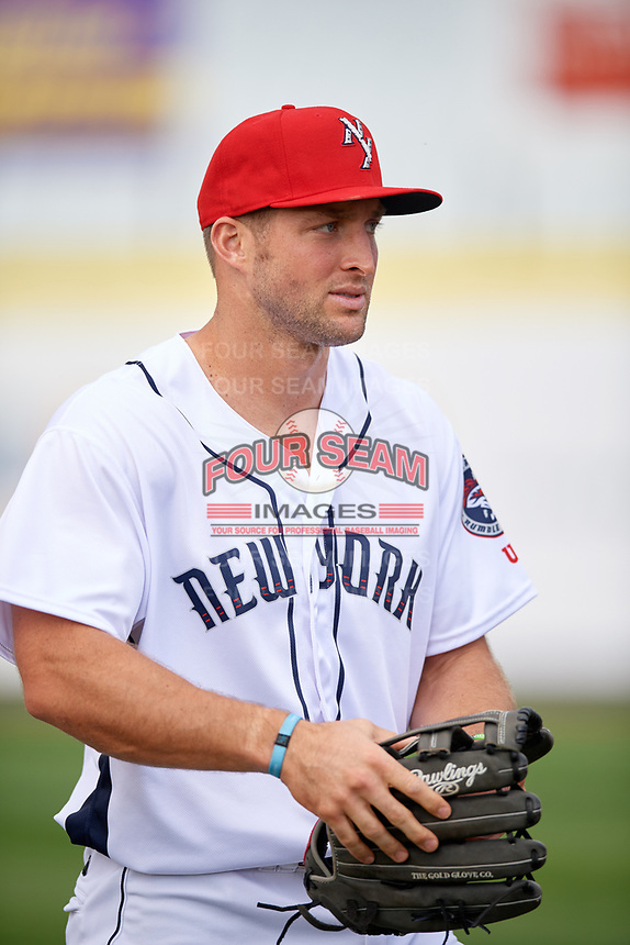 Binghamton Mets Tim Tebow (15) during warmups before a game against the Erie SeaWolves on May 14, 2018 at NYSEG Stadium in Binghamton, New York.  Binghamton defeated Erie 6-5.  (Mike Janes/Four Seam Images)