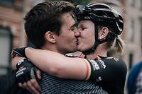 a victory kiss for Jolien d'Hoore (BEL/Wiggle-High5) as she wins her 2nd national elite title<br /> <br /> 2017 National Championships Belgium WE - Elite Women - Road Race (NC)<br /> 1 Day Race: Antwerpen > Antwerpen (102km)