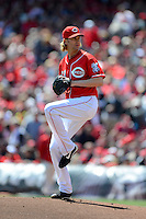 Cincinnati Reds pitcher Bronson Arroyo #61 during a game against the Miami Marlins at Great American Ball Park on April 20, 2013 in Cincinnati, Ohio.  Cincinnati defeated Miami 3-2 in 13 innings.  (Mike Janes/Four Seam Images)