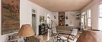 "Cuba/Env La Havane/San Francisco de Paula: Salon de la ""Finca Vigia"" ferme de la vigie, maison d'Ernest Hemingway"