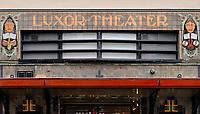 Nederland Zutphen - 2020. De gevel van Luxor op de Zaadmarkt. In 1918 werd de bioscoop Luxor geopend. De kenmerkende art deco gevel is rond 1925 aangebracht . Foto : ANP/ HH / Berlinda van Dam