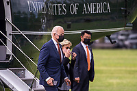 US President Joe Biden, with First Lady Dr. Jill Biden, steps off Marine One on the Ellipse of the White House in Washington, DC, USA, 04 June 2021. Earlier in the day President Biden delivered remarks on the May jobs report in Rehoboth Beach, Delaware.<br /> CAP/MPI/RS<br /> ©RS/MPI/Capital Pictures